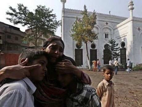 Afghanistan: Xe dan thuong trung bom cua Taliban, 11 nguoi chet - Anh 1