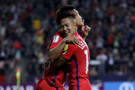 Sao tre Barca thay nhau lap cong, U20 Han Quoc dai thang - Anh 2