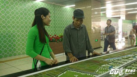Dan Thu do tan mat kham pha ga duong sat tren cao Cat Linh-Ha Dong - Anh 7