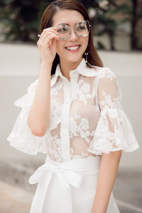 Nguoi dep 'The Face' Tuong Linh khoe ve dep mong manh, cuon hut - Anh 4