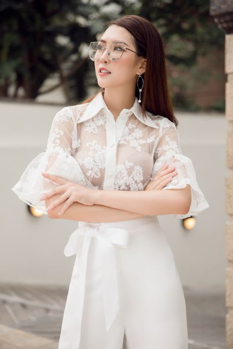 Nguoi dep 'The Face' Tuong Linh khoe ve dep mong manh, cuon hut - Anh 5