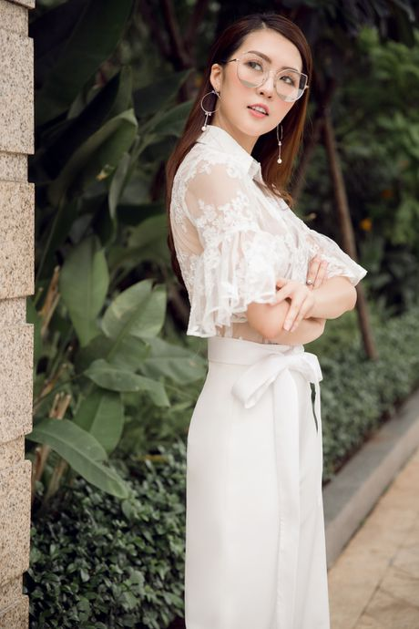 Nguoi dep 'The Face' Tuong Linh khoe ve dep mong manh, cuon hut - Anh 6
