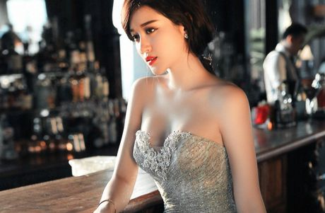 Huyen My suy sup tinh than, huy nhieu show dien - Anh 1