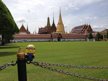 Co gai dua Minion di an ngon, choi vui khap Bangkok - Anh 1