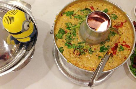 Co gai dua Minion di an ngon, choi vui khap Bangkok - Anh 5