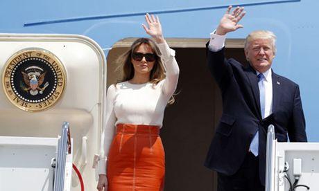 Donald Trump bat dau chuyen cong du dau tien - Anh 1