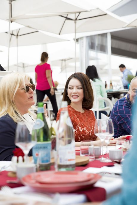 Ly Nha Ky khoe nhan sac tre trung khi mo tiec VIP dai nhieu nhan nhat quyen luc tai Cannes - Anh 10