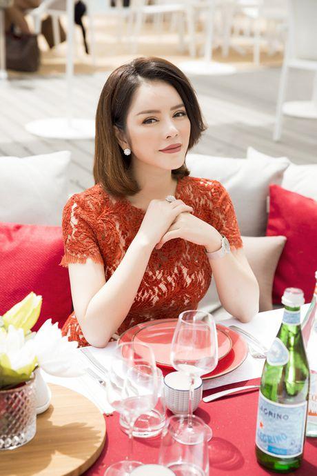 Ly Nha Ky khoe nhan sac tre trung khi mo tiec VIP dai nhieu nhan nhat quyen luc tai Cannes - Anh 8