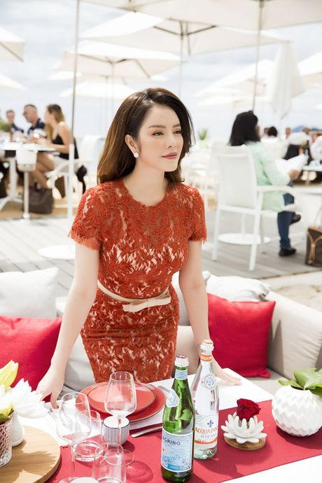 Ly Nha Ky khoe nhan sac tre trung khi mo tiec VIP dai nhieu nhan nhat quyen luc tai Cannes - Anh 9
