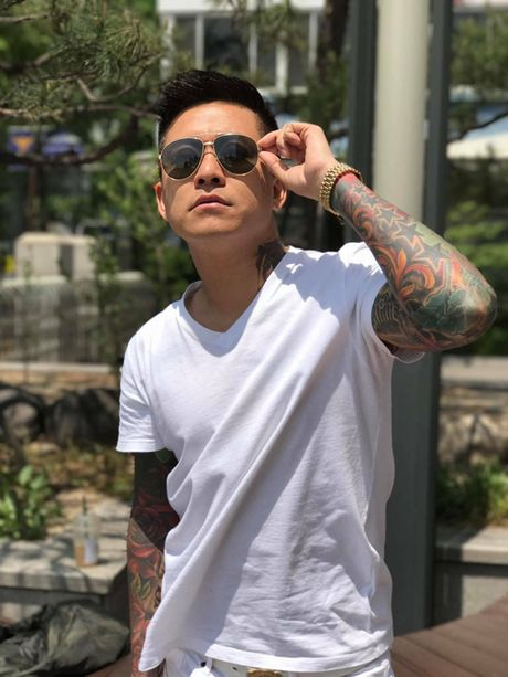 Tuan Hung be bong vo trong chuyen luu dien o Han Quoc - Anh 8