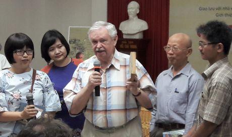 Tre em Viet vay kin 'Ong tuong cua toi' Albert Likhanov - Anh 1