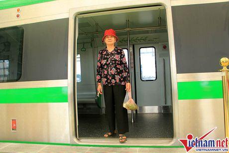 Nhieu bat tien o tuyen duong sat tren cao Cat Linh-Ha Dong - Anh 6