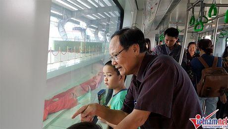 Nhieu bat tien o tuyen duong sat tren cao Cat Linh-Ha Dong - Anh 9