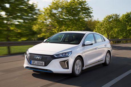 Hyundai mo ban Ioniq Hybrid sac dien tai chau Au - Anh 1