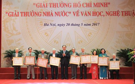 Chu tich nuoc trao 'Giai thuong Ho Chi Minh' ve van hoc, nghe thuat - Anh 2