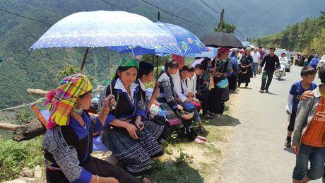 Man du luon dep nhu tranh tren diem bay Khau Pha - Anh 2
