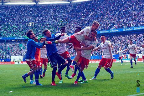 Loi nguoc dong ngoan muc, Hamburger SV la CLB hanh phuc nhat dem nay - Anh 5