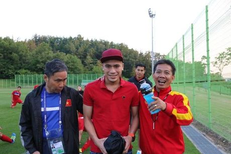 U20 Viet Nam 'nhan qua' tinh than truoc tran ra quan - Anh 1