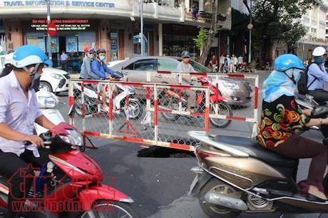 'Ho tu than' bat ngo xuat hien giua trung tam TP Ho Chi Minh - Anh 2