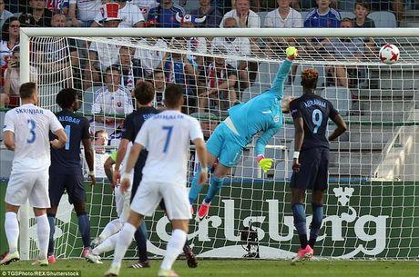 U21 chau Au: Sao Premier League lap cong, Anh nguoc dong danh bai Slovakia - Anh 2