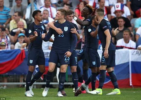 U21 chau Au: Sao Premier League lap cong, Anh nguoc dong danh bai Slovakia - Anh 3