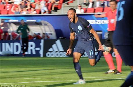 U21 chau Au: Sao Premier League lap cong, Anh nguoc dong danh bai Slovakia - Anh 4