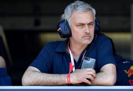Mourinho khong hy vong Ronaldo se roi Real de gia nhap MU - Anh 2