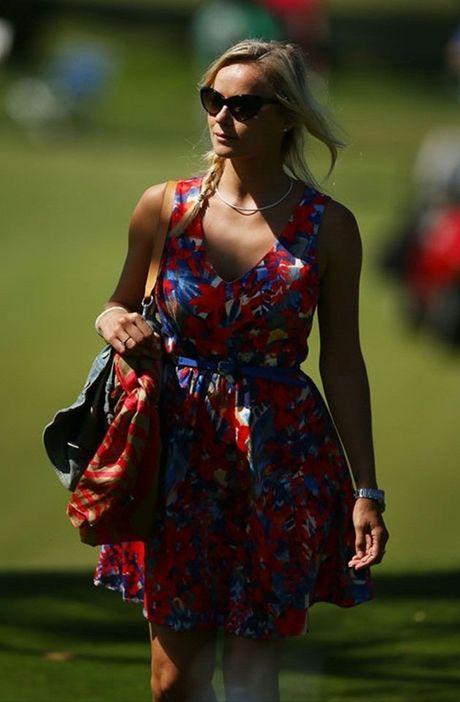 Pollyanna Woodward: Nang WAG lang golf yeu bong da - Anh 3