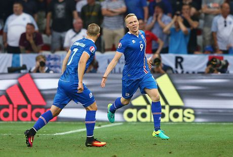 Doi hinh Iceland gay soc o EURO 2016 nay o dau? - Anh 10
