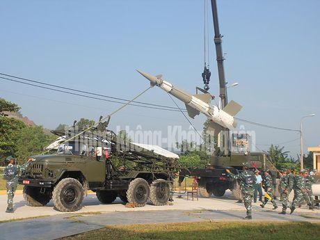 Gioi: Viet Nam tu nang cap 12 to hop ten lua phong khong - Anh 4