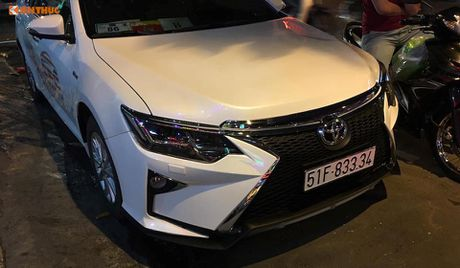 Toyota Camry 'bien hinh' Lexus gia chi 35 trieu tai VN - Anh 2