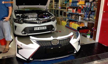 Toyota Camry 'bien hinh' Lexus gia chi 35 trieu tai VN - Anh 5