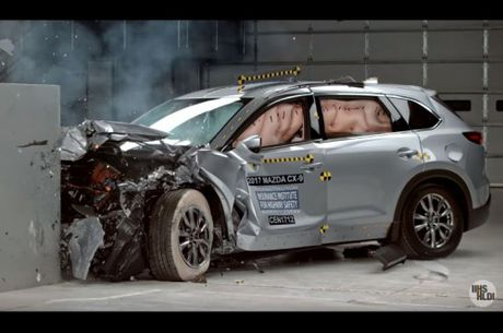 Mazda CX-9 la xe oto SUV an toan nhat nam 2017 - Anh 3