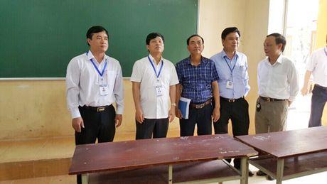 Pho Chu tich UBND TP Ngo Van Quy kiem tra cong tac chuan bi thi THPT quoc gia - Anh 1