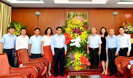 Chu tich UBND thanh pho tham, chuc mung Ban Tuyen giao Trung uong, Bao Cong an nhan dan - Anh 1