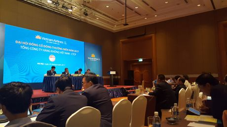 DHDCD Vietnam Airlines: Chuyen sang niem yet tren HoSE muon nhat dau nam 2018 - Anh 1