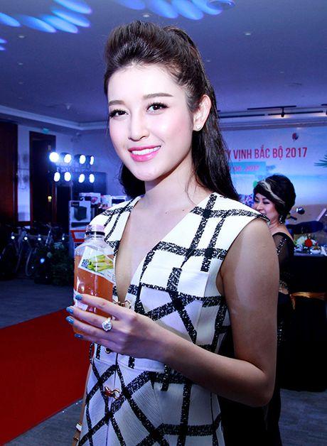 Phan Anh, Xuan Bac khoe 'duong cong' phu hoa cho Thu Minh - Anh 10