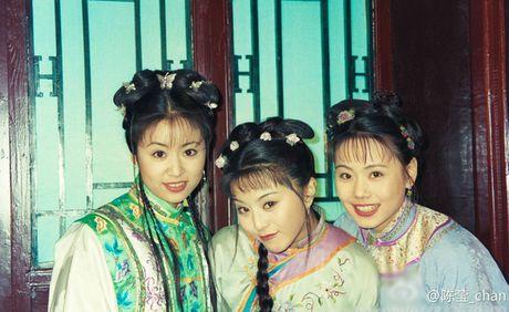 Du o do tuoi U40, 'Co gai giang ho' Lieu Hong trong 'Hoan Chau Cach Cach' van so huu than hinh boc lua - Anh 2