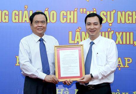 Chu tich Nguyen Thien Nhan du le ra mat Tap chi dien tu Mat tran - Anh 3