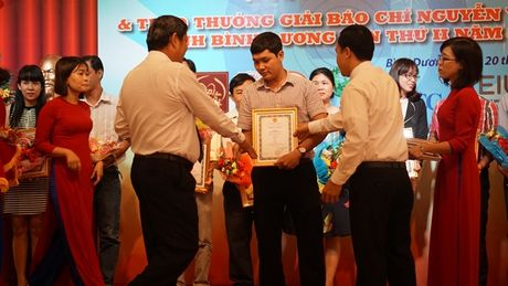 Trao giai thuong bao chi Nguyen Van Tiet lan thu II - Anh 1