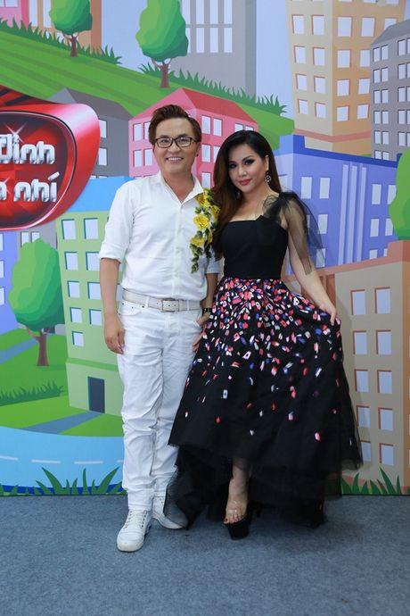 """Cam Ly khong khoe, Minh Tuyet bat ngo ngoi """"ghe nong"""" thay chi gai - Anh 8"""