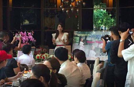 Sau scandal noi doi o Dai Loan, Helen Thanh Dao bat ngo ve nuoc ra mat sach - Anh 2