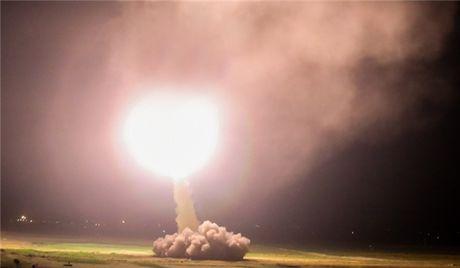 Syria: Iran na ten lua vao Deir Ezzur, diet lien luc 360 tay sung IS - Anh 1
