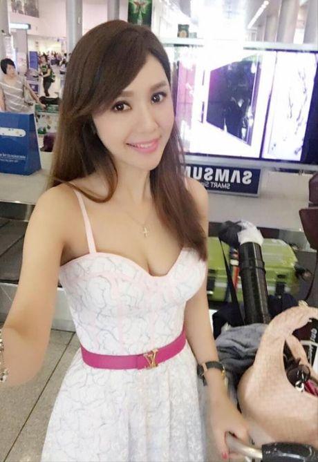 Hellen Thanh Dao lo nhan sac that xuong doc tram trong, phu nhan chuyen bi tay chay o Dai Loan - Anh 9