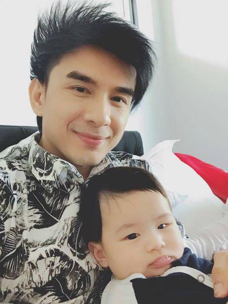 Dan Truong khoe con trai bu bam, Ha Tang noi bat voi vay do - Anh 2