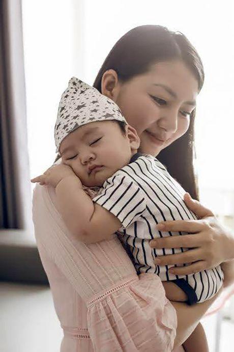 Dan Truong khoe con trai bu bam, Ha Tang noi bat voi vay do - Anh 4