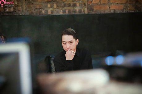 Giai ma hien tuong 'nam chinh duoc san don' trong MV Co Em Cho - Anh 1