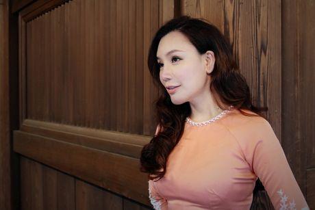 Ho Quynh Huong mac ao dai, mang non la tai ngoi den lon nhat Tokyo - Anh 10