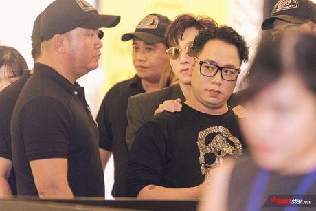 Son Tung xuat hien chop nhoang van du suc 'cong pha' le ra mat 'Transformers: The Last Knight' - Anh 5