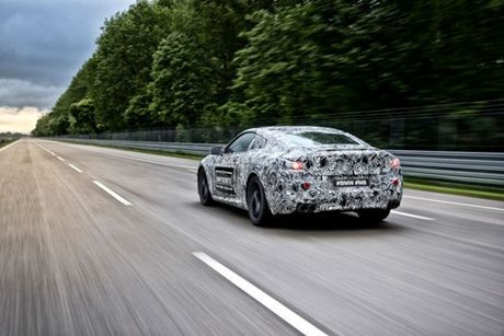 BMW M8 - Huyen thoai hoi sinh - Anh 5